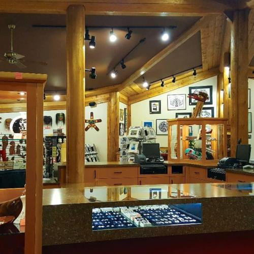 Authentic aboriginal artworks retailers sellers shops for Vancouver island jewelry designers